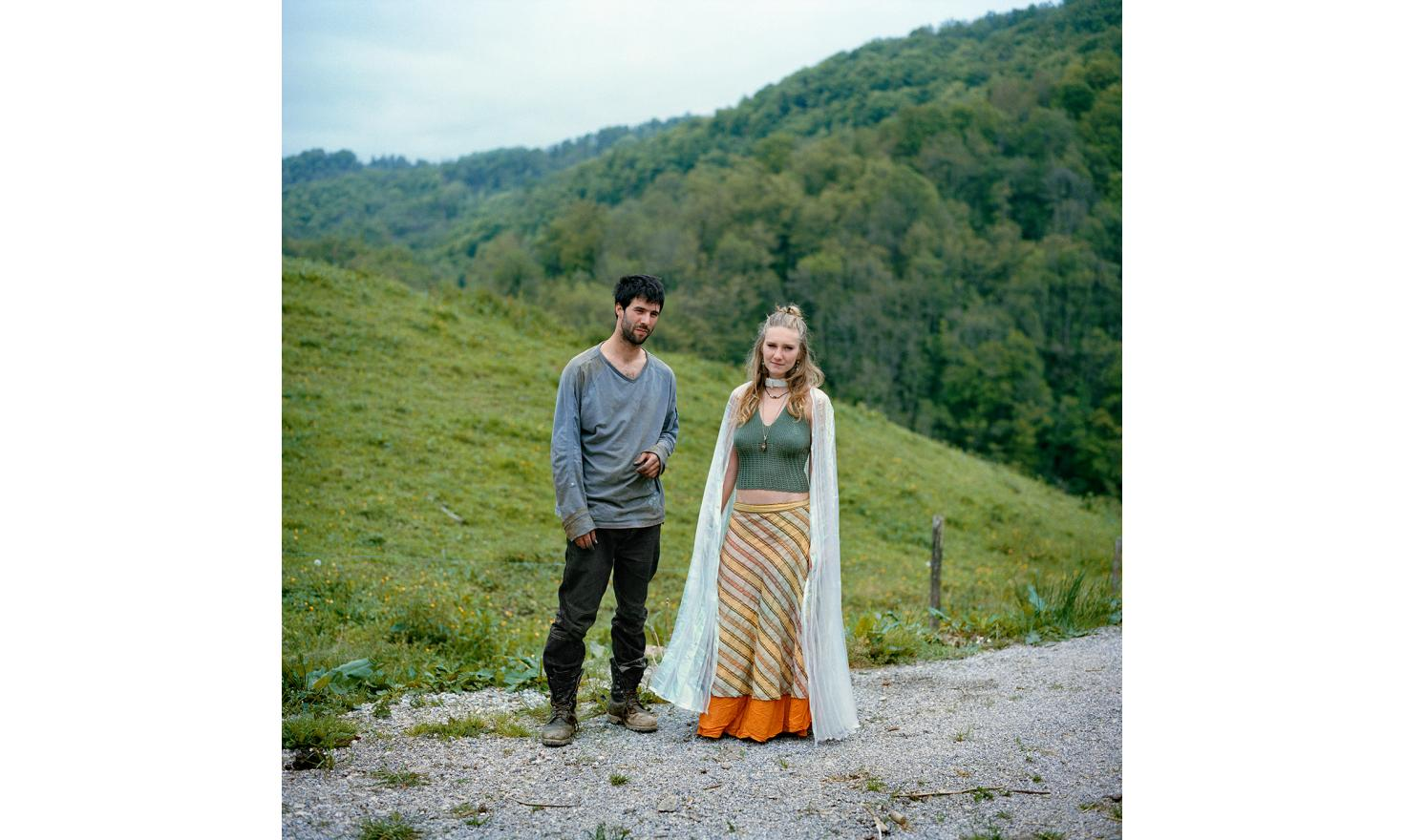 Inti with his girl friend  Maéva. It was the 70s and the communities flourished in Ariege. Inti is a child of hippies, neo-rurals who settled in these mountains of Couserans. Until the age of 8 years he lived in the middle of the forest and the animals.