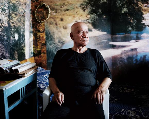 Hovhannes in his flat in Chouchi