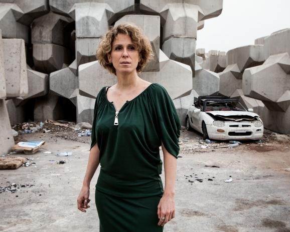 Hyam Yared, writer, October 31, 2012. Portrait in Beirut see front. / Hyam Yared, écrivain, le 31 octobre 2012. Portrait sur le front de mer de Beyrouth
